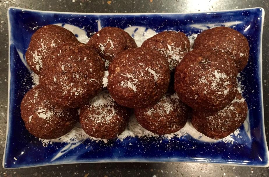 Chocolate coconut energybites